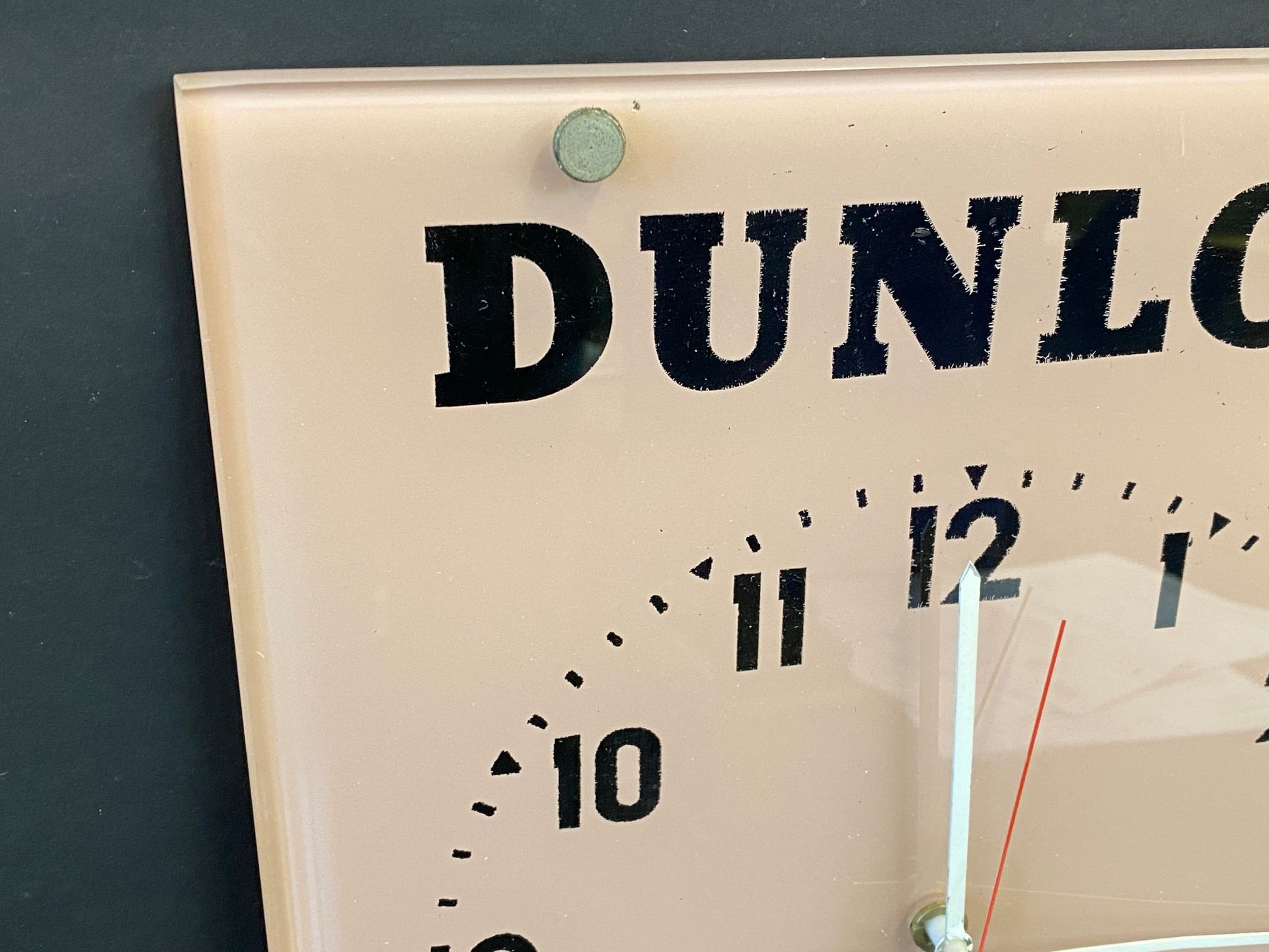 """A Dunlop glass hanging garage showroom advertising wall clock, 11 x 14"""". - Image 2 of 3"""