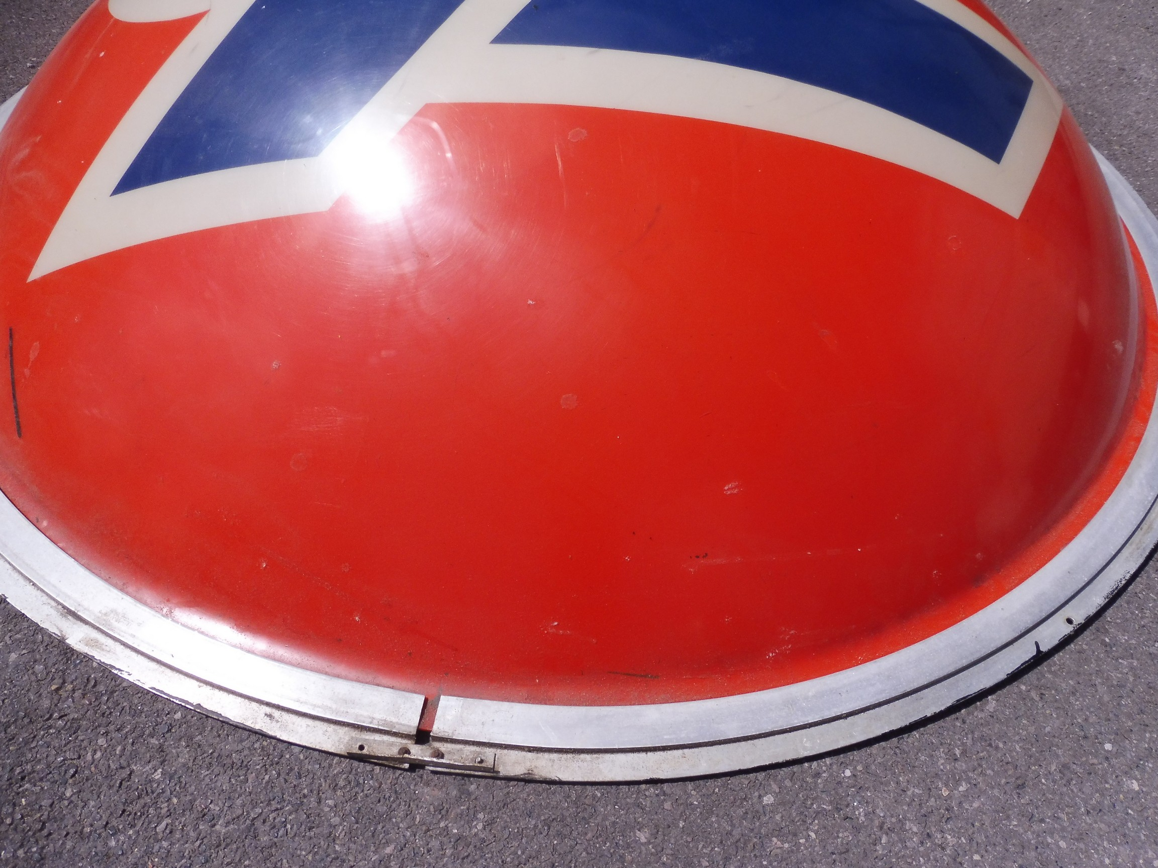"""A very large '76' American oil company plastic domed sign, 73"""" diameter. - Image 2 of 4"""