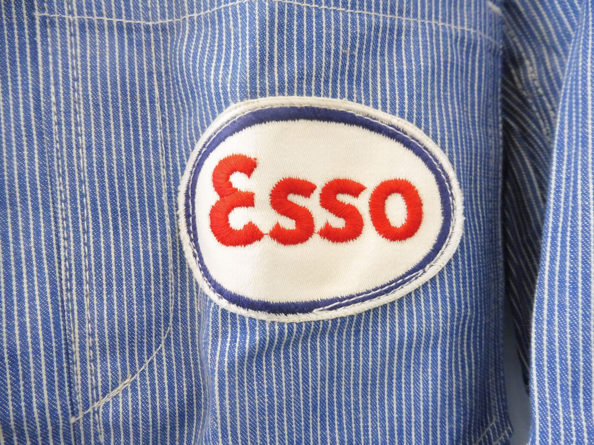 A new old stock overcoat with Esso branding, manufactured by Beacon Reg'd, size 38 (slightly - Image 2 of 6