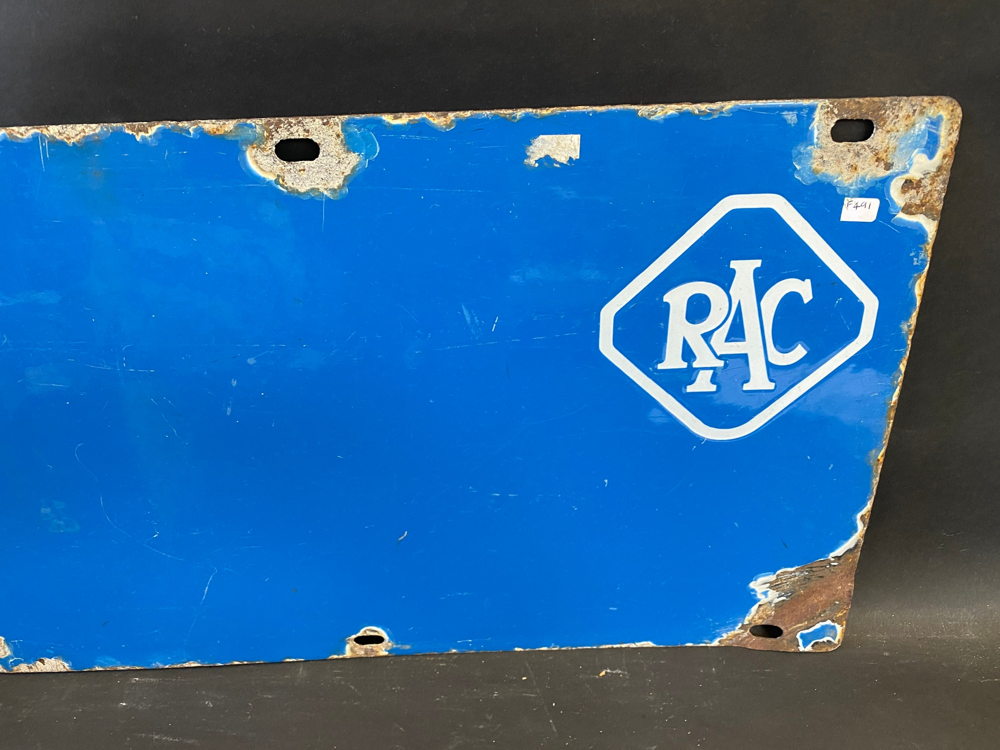 """An RAC blue and white double sided directional arrow sign by Bruton, 353/4 x 12"""". - Image 2 of 4"""