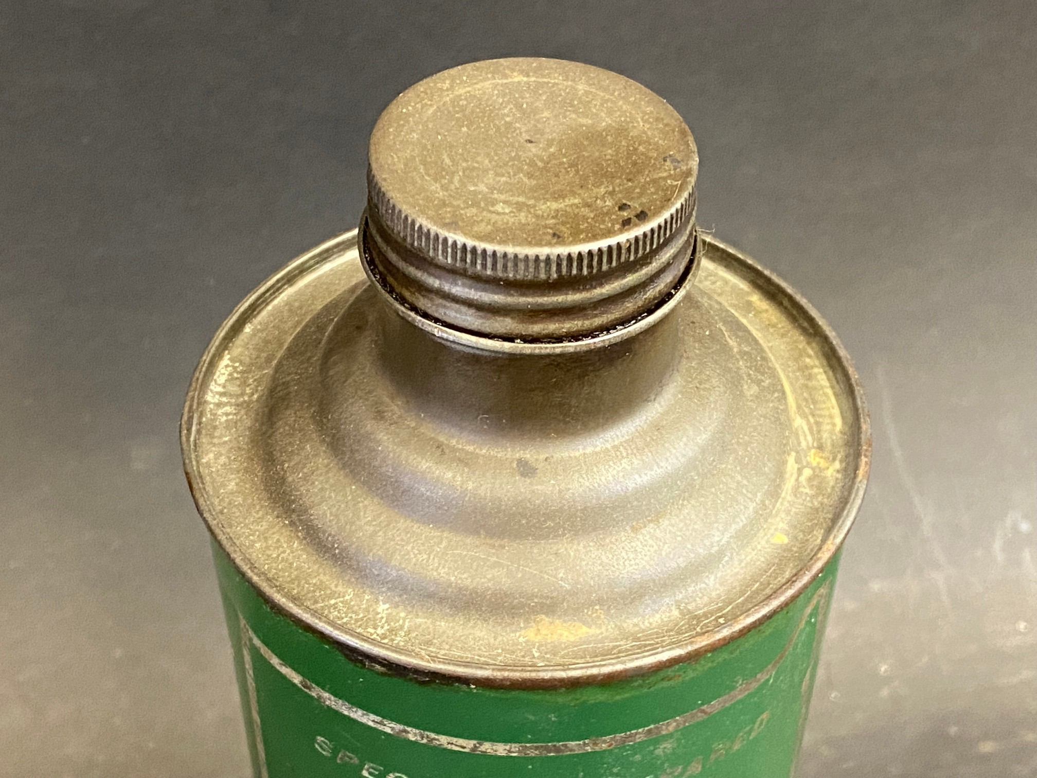 A Gamages Holborn Penetrating Spring Oil cylindrical quart can in good condition. - Image 3 of 4