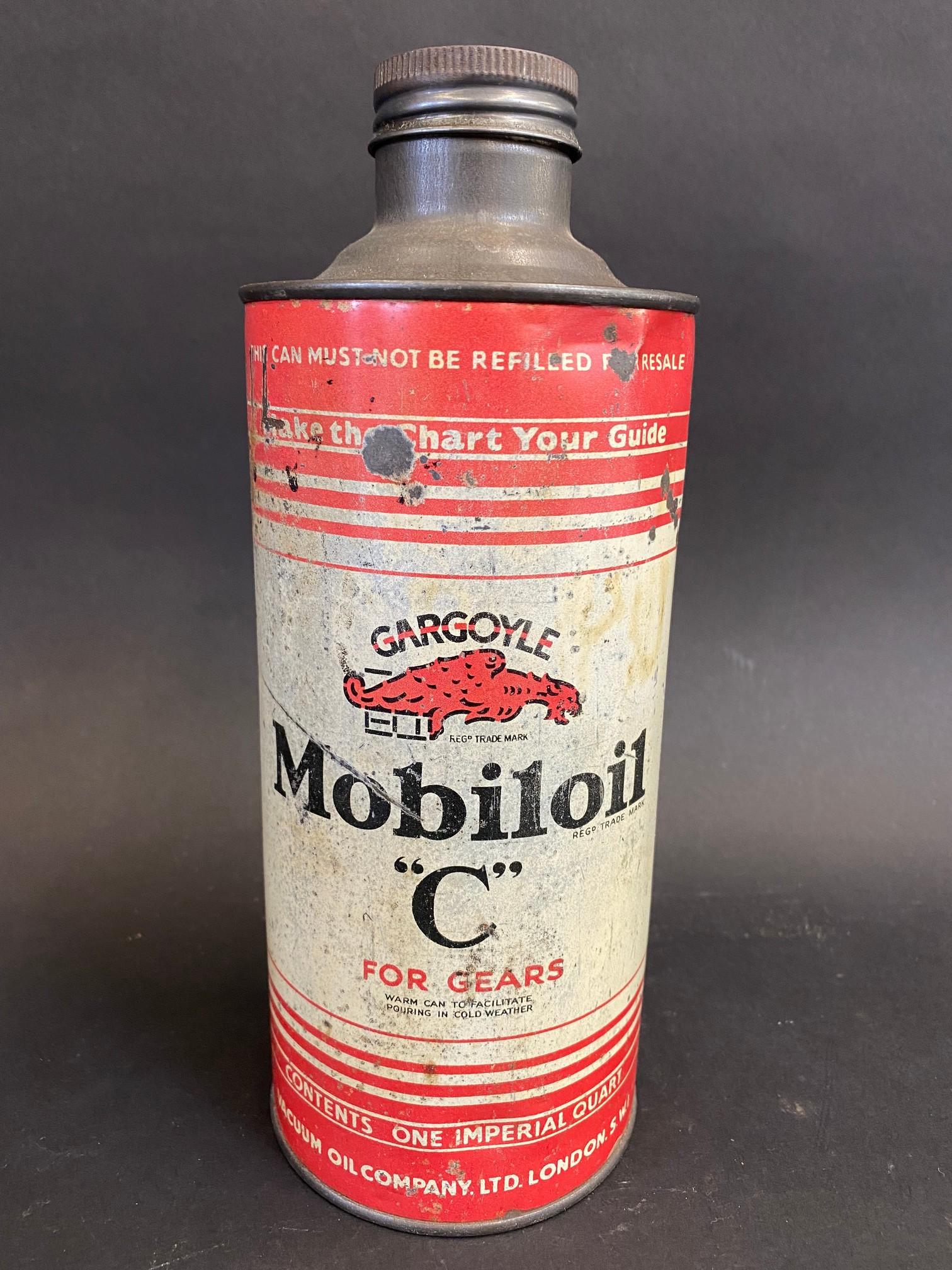 A Gargoyle Mobiloil 'C' for gears cylindrical quart oil can.