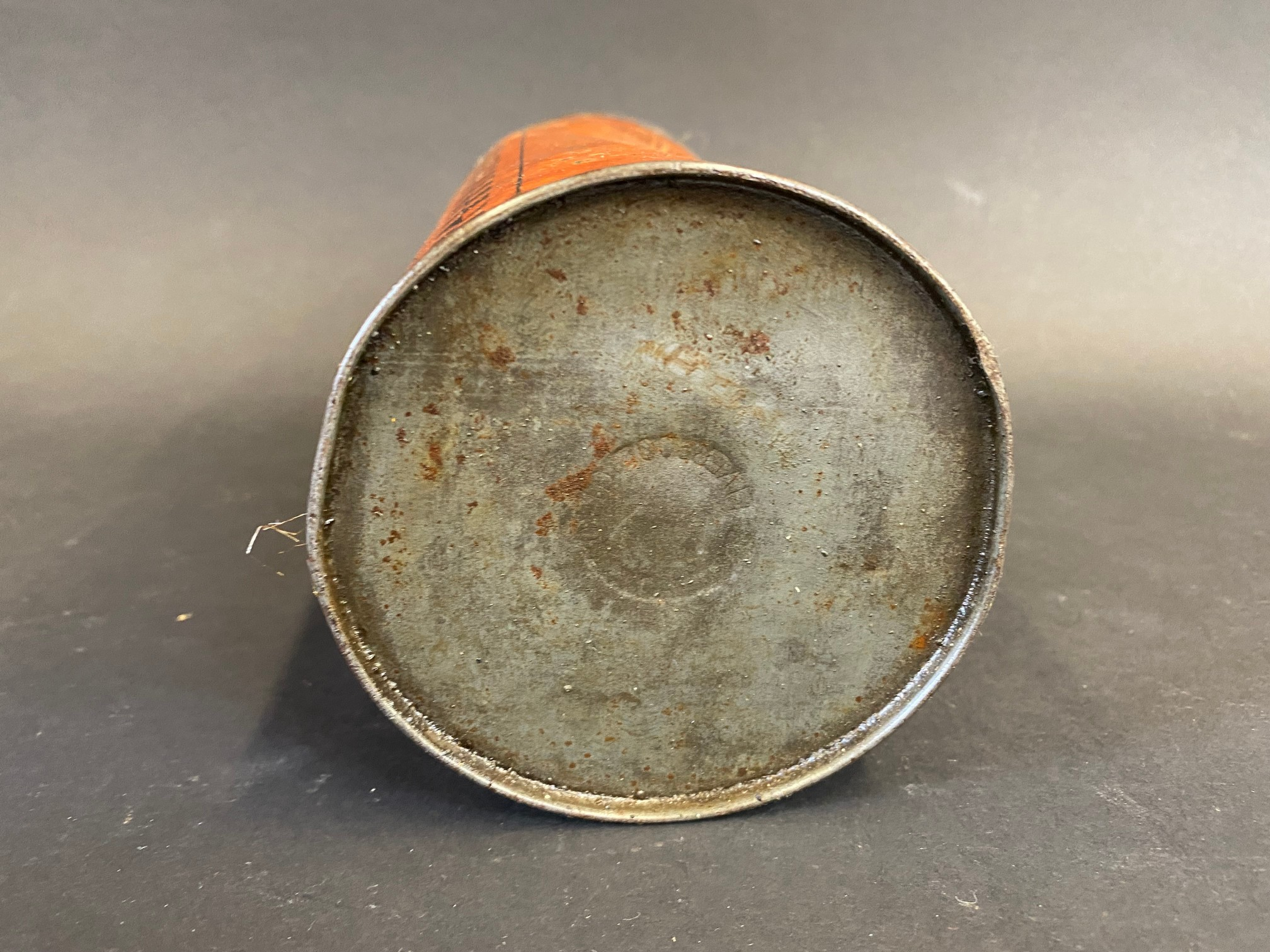A Vigzol Motor Oil cylindrical quart can. - Image 5 of 5