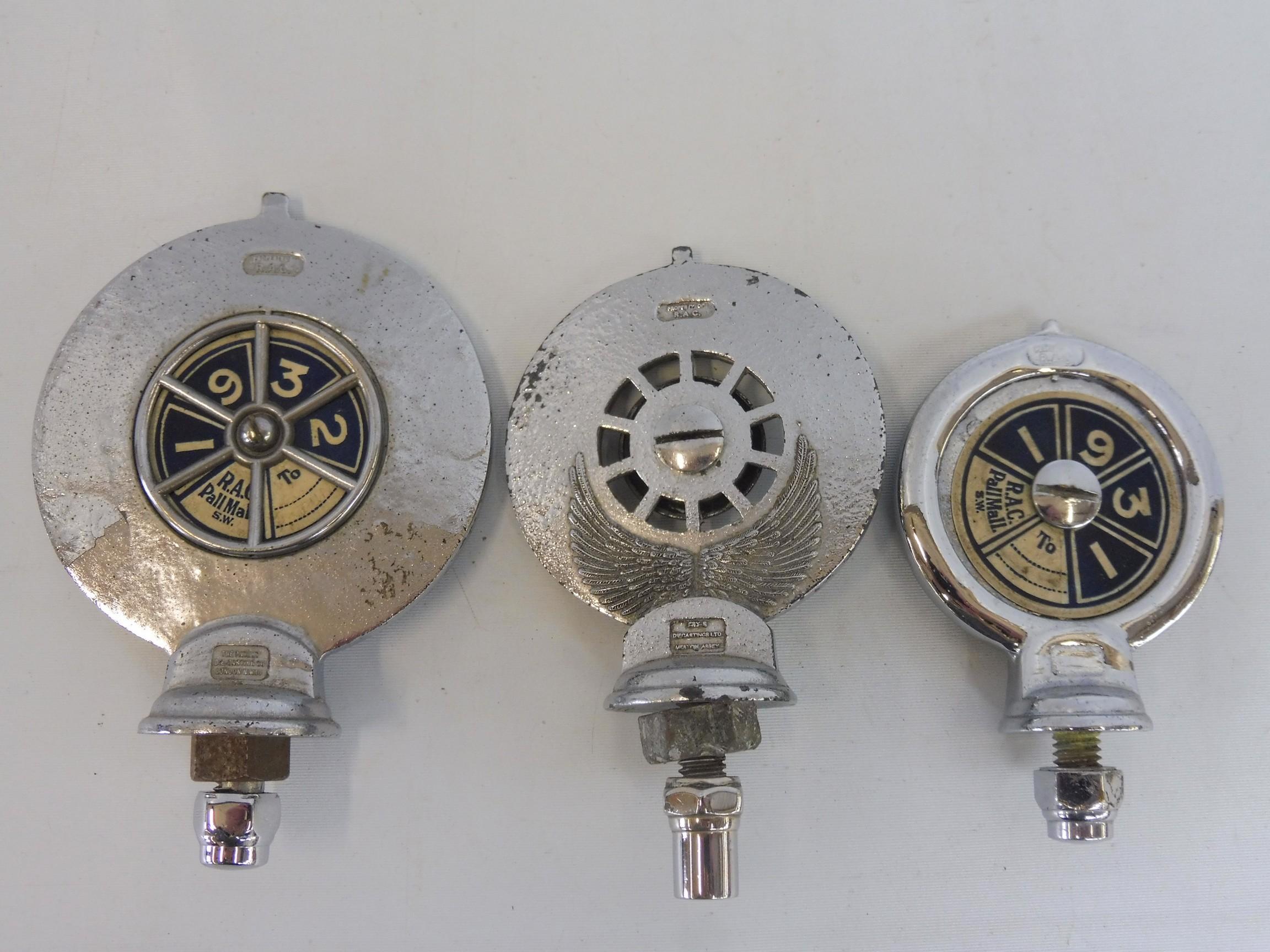 A graduated set of three Royal Automobile Associate car badges, all mazak metal with good enamel - Image 5 of 5