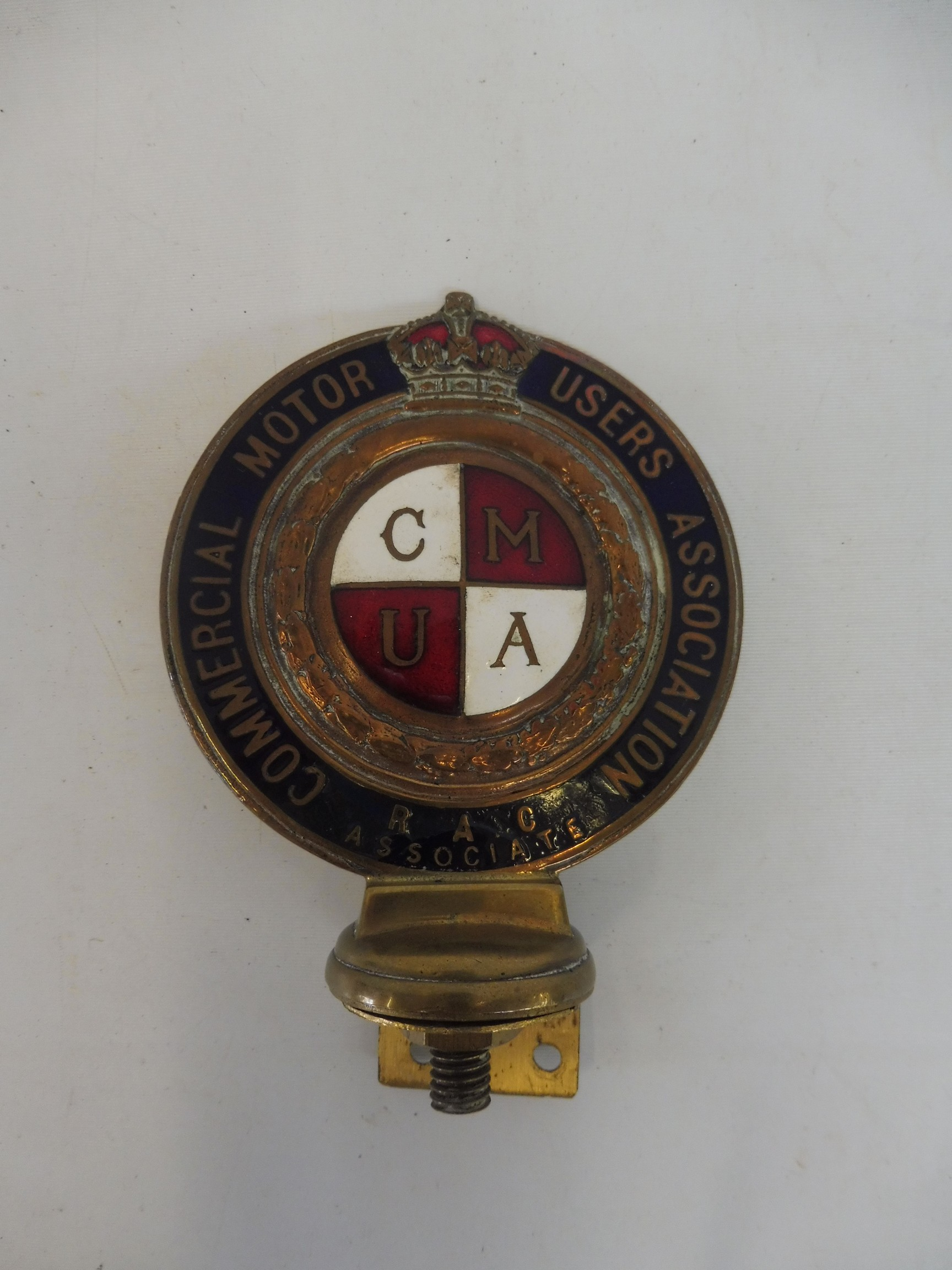 A Commercial Motor Users Association R.A.C. Associate enamelled badge, no 40127, some repair to