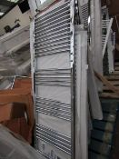 Loco straight towel radiator 600 x 1600, ex-display and boxed. Please note, this lot may contain