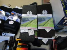 11 X Pairs of Fresh Feel Walking Socks size 6-11 New & Packaged