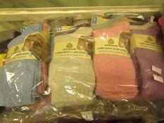 12 X Pairs of Ladies Australian Wool Blend Socks Size 4-7 New in Packaging