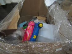 Pallet of Mixed online household returns, condition can range from usable to broken.