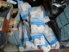 30 X Pairs of Cotton Lycra Socks White Size