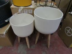 | 1x | MADE.COM ALLO POLLY RESIN SET OF 2 PLANT POTS |NO VISIBLE DAMAGE WITH ORIGINAL BOX | RRP £