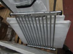 Loco straight towel radiator 500 x 1000, ex-display and boxed. Please note, this lot may contain