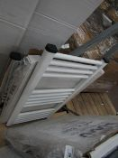Loco straight towel radiator 400 x 800, ex-display and boxed. Please note, this lot may contain