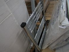 Loco straight towel radiator 500 x 700, ex-display and boxed. Please note, this lot may contain