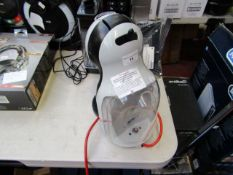 Nescafé Dolce Gusto espsresso machine, powers on but not tested all functions. Missing front part.