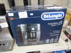 DeLonghi Magnifica Smart S bean to cup coffee machine, powers on but not tested all functions.