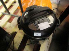 Instant Pot pressure cooker, no power.
