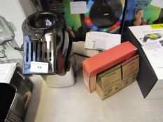Popcorn maker with various popcorn seasoning kits and more. Tested working.