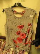 Ladies Top With Floral Design on Front Size 16,