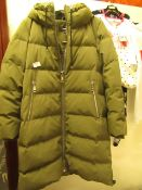 DKNY Ladies Coat Green Size M Looks in New Condition