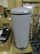 |1X| JOSS 30L DOMED PEDAL BIN, COOL GREY | UNCHECKED MAY HAVE DENTS & SCRATCHES & BOXED | SKU