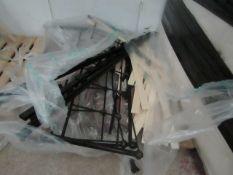   1X   5FT METAL BED FRAME   EX DISPLAY   RRP £399  