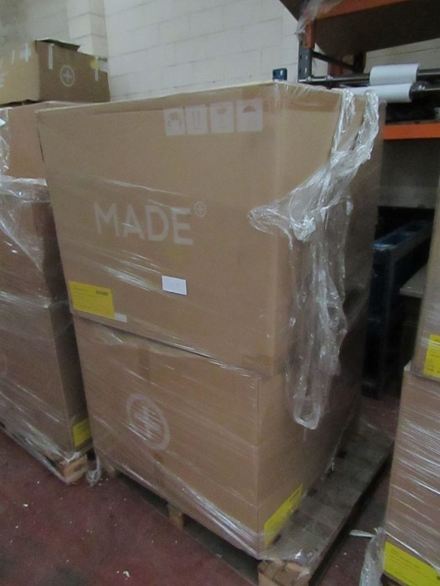   16x   PALLETS OF MADE.COM UNMANIFESTED SOFA PARTS, THESE ARE FROM VARIOUS SOFAS AND DONT APPEAR TO - Image 5 of 34