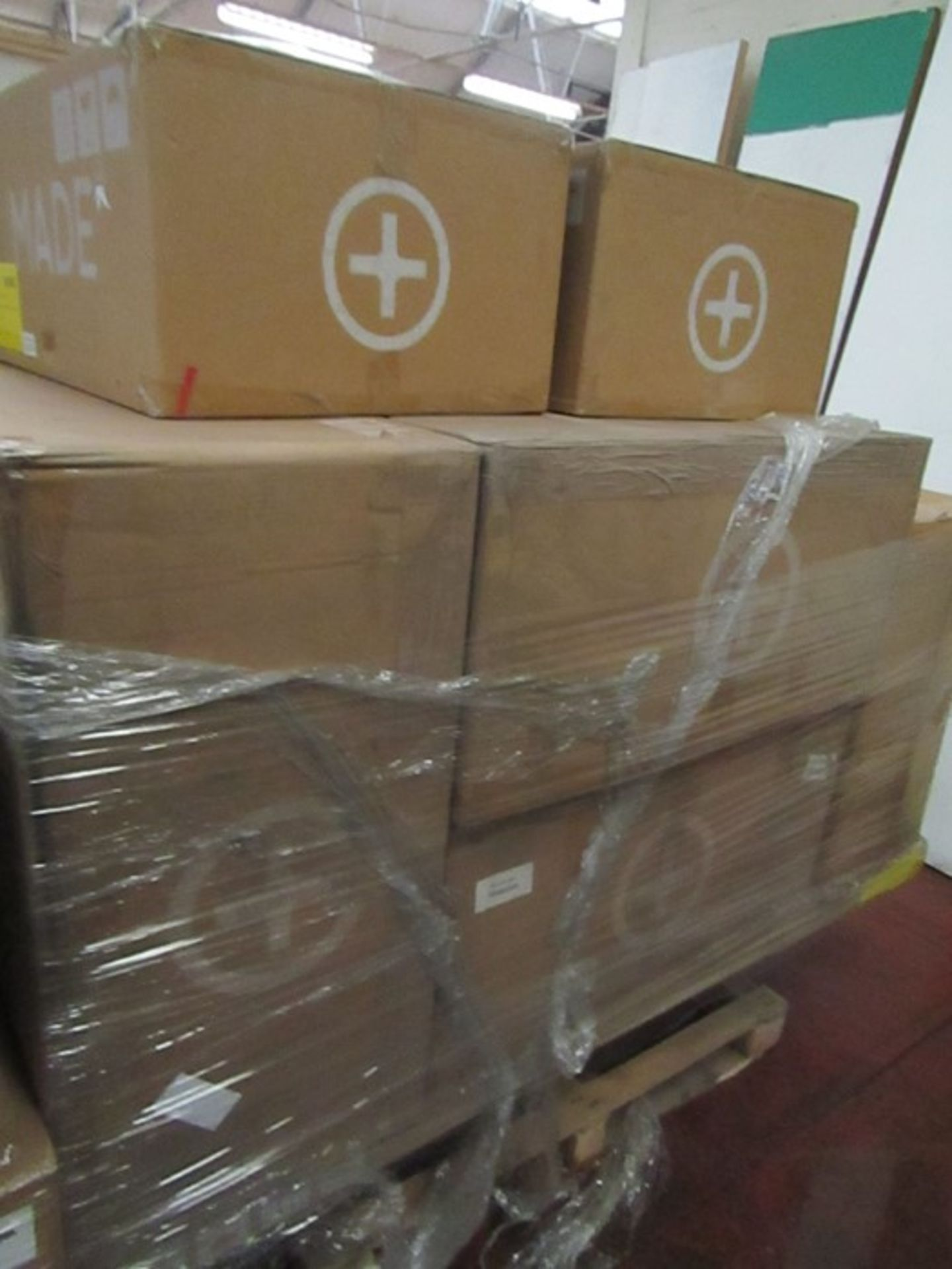   16x   PALLETS OF MADE.COM UNMANIFESTED SOFA PARTS, THESE ARE FROM VARIOUS SOFAS AND DONT APPEAR TO - Image 12 of 34