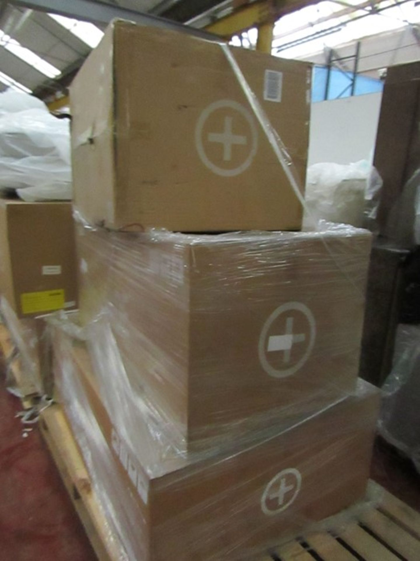   16x   PALLETS OF MADE.COM UNMANIFESTED SOFA PARTS, THESE ARE FROM VARIOUS SOFAS AND DONT APPEAR TO - Image 14 of 34