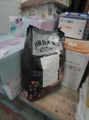 Jordans Granola Super Berry 1.5kg damaged packaging best before 17/02/2022