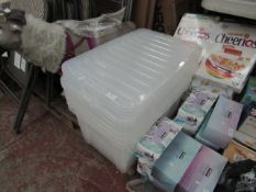 5x Clear plastic tubs with lids, unchecked.