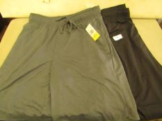 2 X Pairs of 32 Degrees Shorts Sizes S, L, New With Tags
