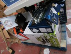 4x Various salvage items such as a Kenwood food processor, LED icicle light and more.