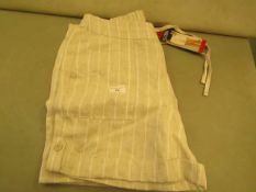 BC Clothing Ladies Shorts Size 12 New With Tags
