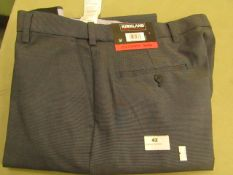 Kirkland Signature Mens Custom Fit Trouser 43 X 32 New With Tags