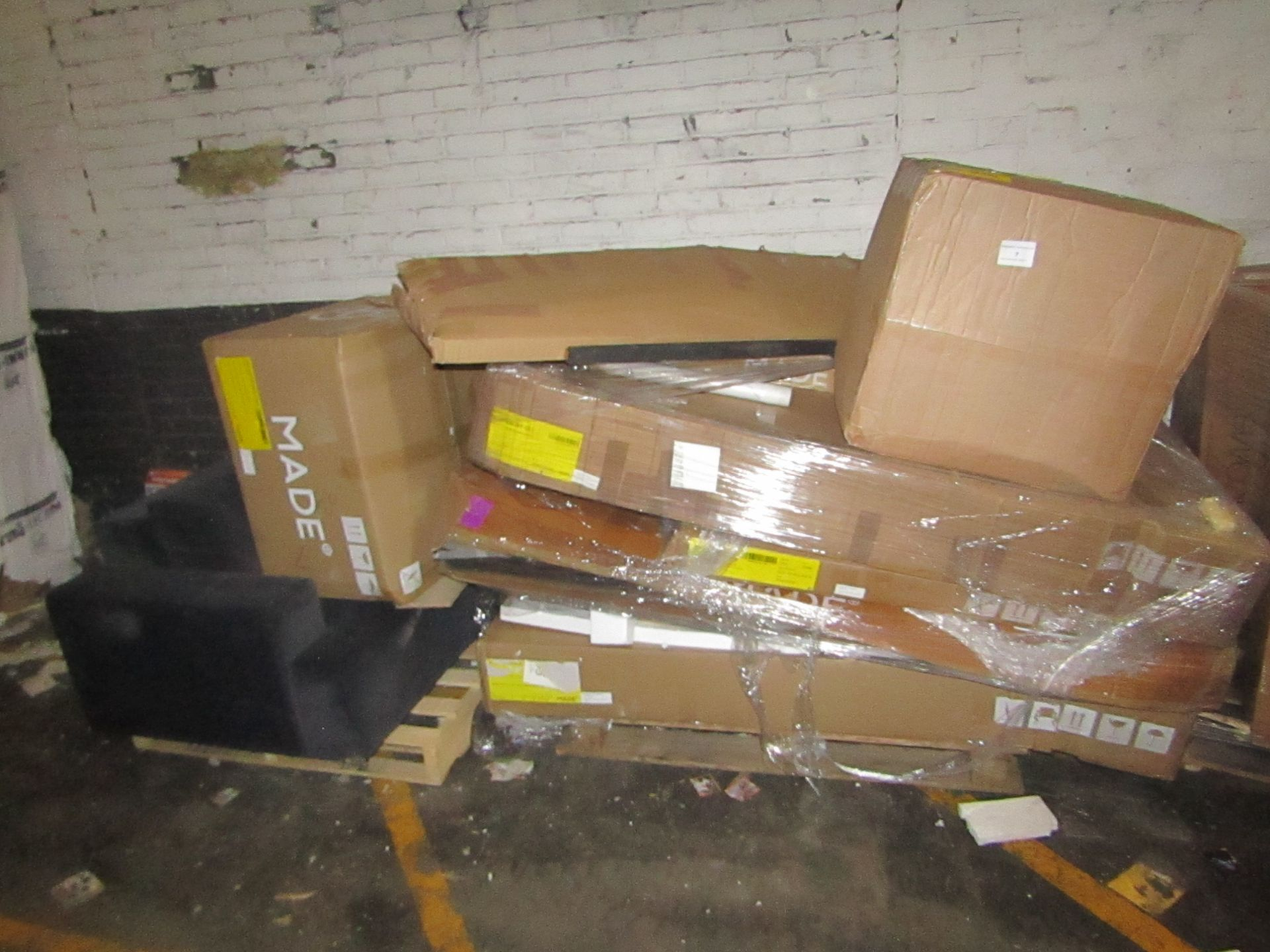 | 2X | PALLET OF MADE.COM RAW CUSTOMER RETURNS, CONDITION CAN RANGE BETWEEN NEW, UNWANTED, BROKEN OR