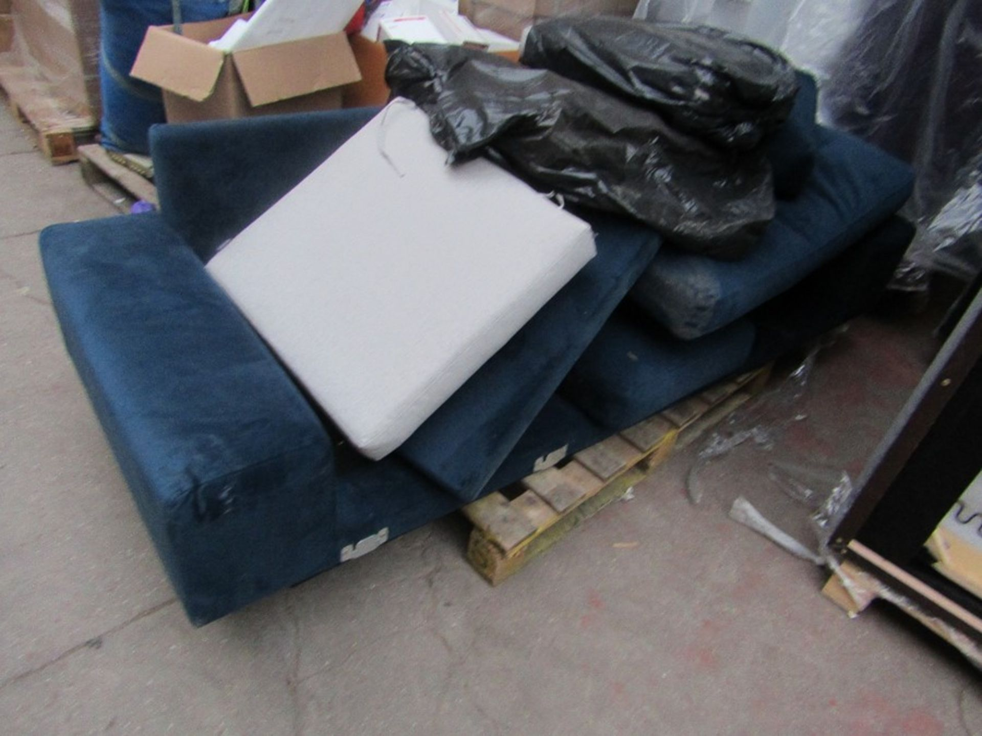| 7x | PALLETS OF SWOON SOFA PARTS AND MISSING CUSHIONS SOFAS, PLEASE NOTE THESE ARE ALL - Image 8 of 8