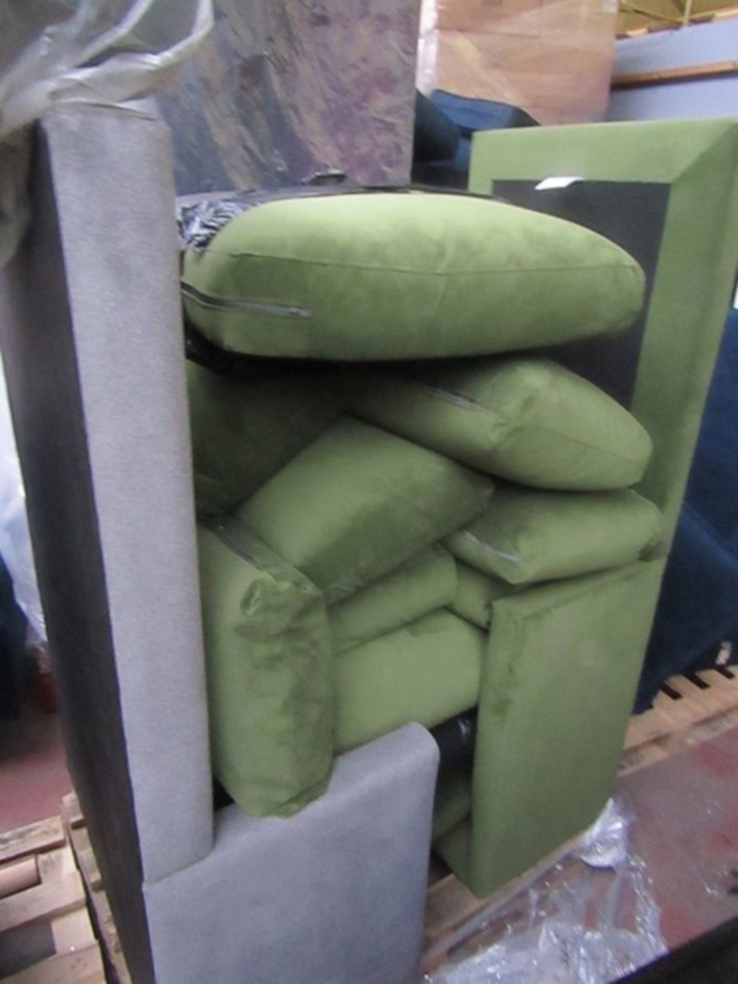 | 7x | PALLETS OF SWOON SOFA PARTS AND MISSING CUSHIONS SOFAS, PLEASE NOTE THESE ARE ALL - Image 3 of 8