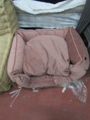 | 1X | MADE.COM KYSLER EXTRA LARGE PET BED IN VELVET PINK | LOOKS UNUSED (NO GUARANTEE) AND