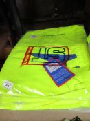 1x ST WorkWear - Polycotton Hi-Vis Yellow Cargo Shorts - Size Medium - Unused & Packaged.