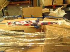 Pallet of approx 1680 packs of 2 England Window flags, the few we have seen look new.