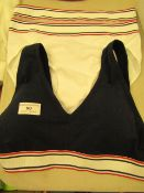 3 items bing 2 x Jockey Ladies Knickers size M & 1 x Jockey Bralette size L no packaging