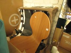  1X   MADE.COM APPROX 6X WOODEN TABLE CHAIRS MAY HAVE MISSING LEGS   UNCHECKED & BOXED   RRP £-  