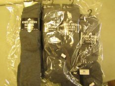 12 X Pairs of Girls Knee High Socks Grey Size 4 to 6 New & Packaged