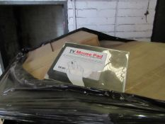 A Pallet of approx 1000 items being made up of TV themed mouse mats and Key boxes, all unchecked but