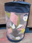 Pallet Containing 32 X Patterned Quilts,Double 13.5 tog New & Packaged