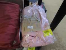 | 1X | MADE,.COM BRISA LINEN DUVET COVER + 2 PILLOWCASES, KING DUSTY PINK UK | PACKAGED & UNUSED |