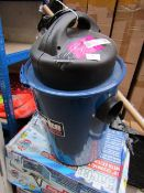 Clarke CWVE1 Vacuum Dust Extractor (230V)  This lot is a Machine Mart product which is raw and