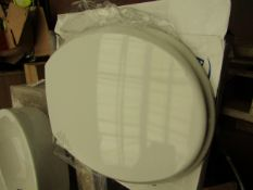 2x Bemis toilet seats, both unchecked and boxed.