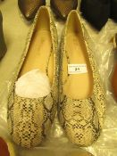 1 x JD Williams Snake Ballerina Shoes size 4 new see image for style